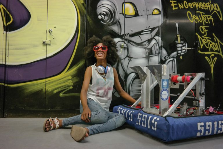 Robots are the Future, and These Detroit Girls Will Be Building Them