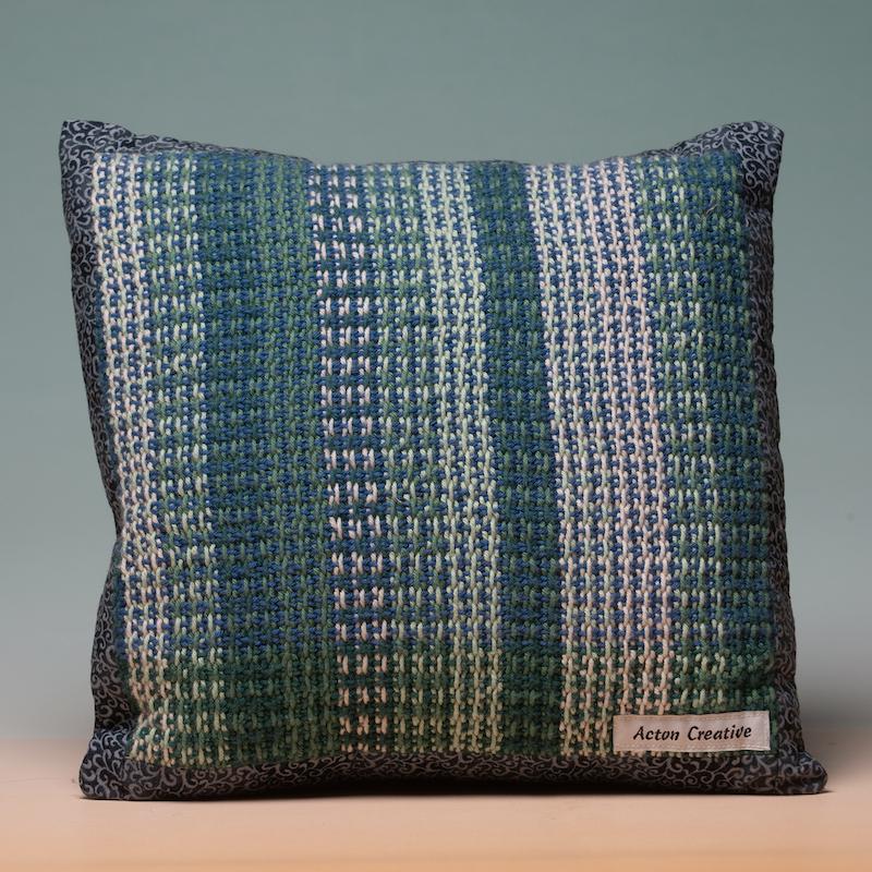 throw pillows green