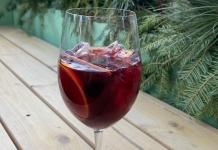 cranberry holiday sangria