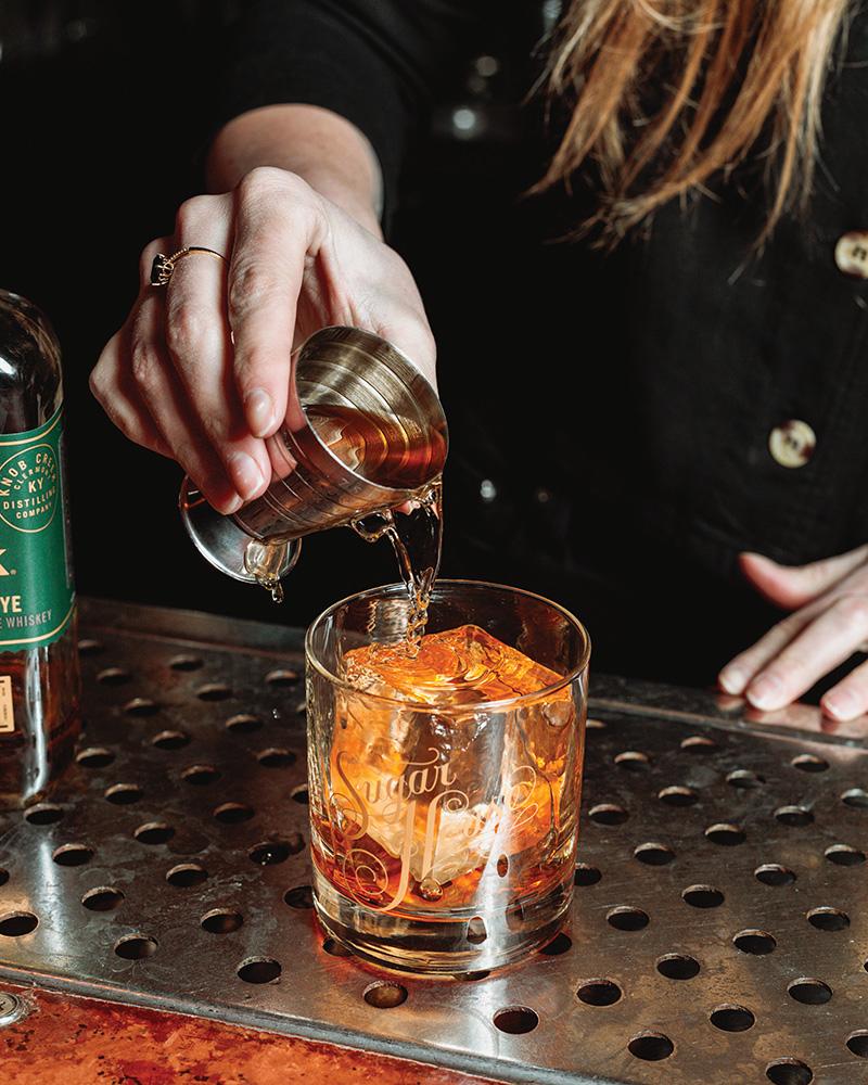 female bartenders - Shelby Minnix