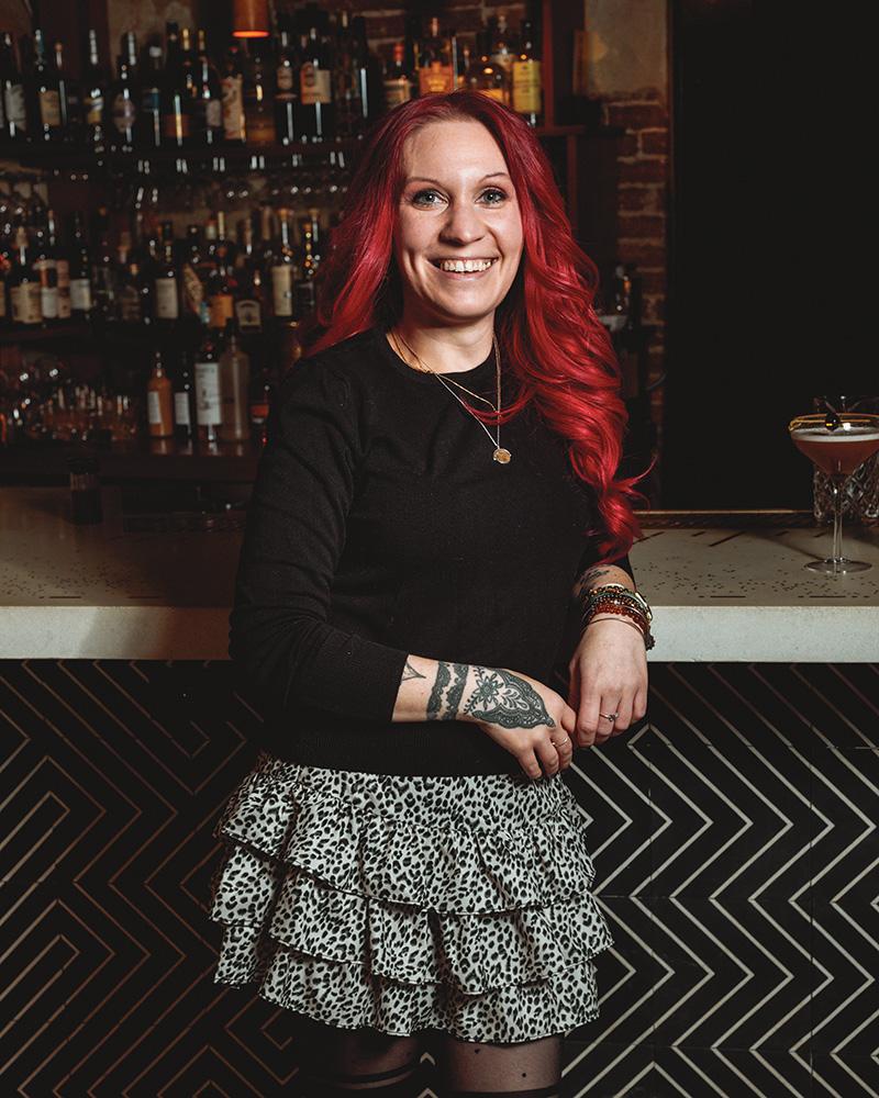 female bartenders - Tara Jagodzinski