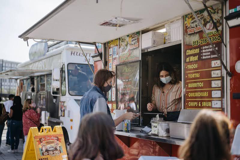 Downtown Street Eats PC Downtown Detroit Parks - food trucks