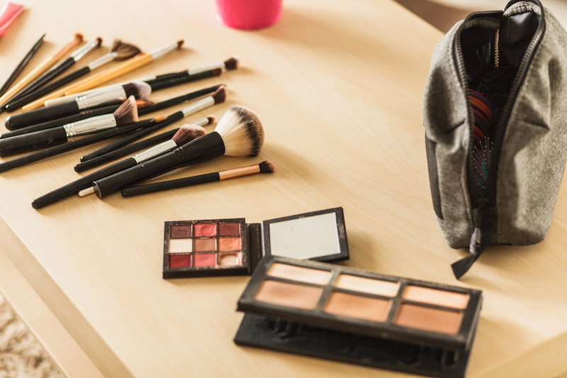 back-to-work style - makeup